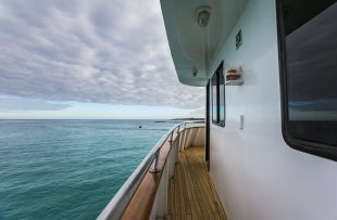 ecuador-galapagos-xavier-iii-boat-side-deck-img8284-lg-rgbs